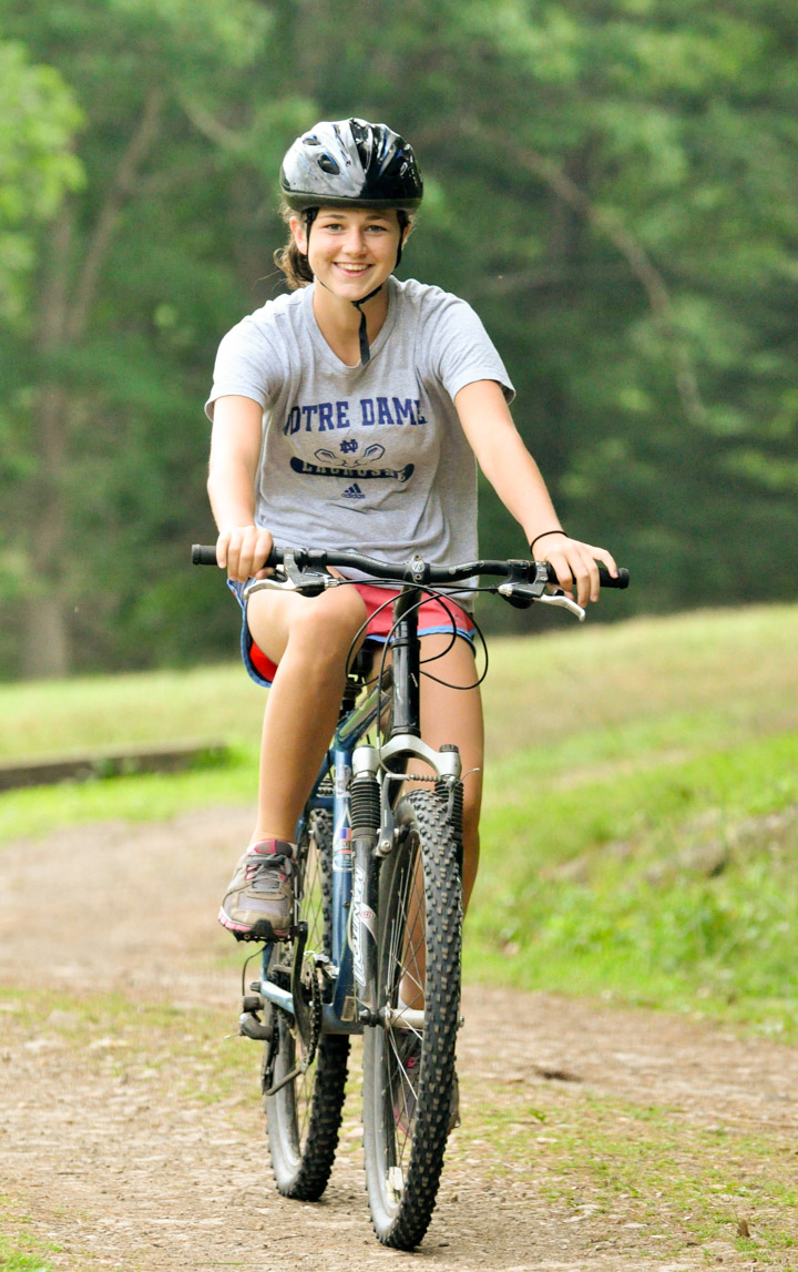 girl-mountain-bike