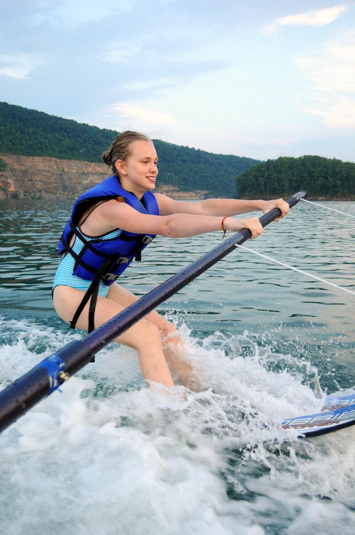 girl-waterski-instruction